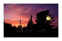 Disneyland Paris (Pierre_Bn) Tags: 2017 disney disneyland paris eurodisney soir sunset jpg jpgdirect fuji fujifilm fujixt2 minolta minoltamd28mmf28