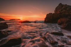 le Diben s'enflamme (Francois Le Rumeur) Tags: vague wave blue orange nikon d810 4k hd seascape bretagne brittany france finistère diben