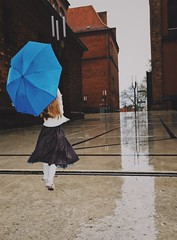 The thought of you light up a rainy day. (erlingraahede) Tags: light reflection umbrella rain vsco ontheloose germany deutsland lübeck