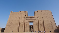 Edfu Temple (Rckr88) Tags: edfu temple edfutemple temples egypt africa travel travelling ancient ancientegypt relic relics pharoahs pharoah gate gates gateway wall wals