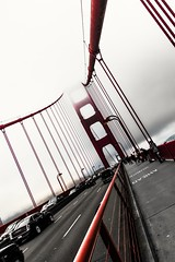 Red only for the Golden Gate ! (Willmore G.) Tags: sanfrancisco goldengate california bridge road pacific pacificcoast blackwhite blackandwhite blacknwhite noiretblanc red color usa canon canon70d perspective pointofview