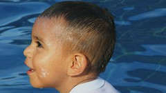 Villavicencio (Lightupdear) Tags: agua water kid baby niño