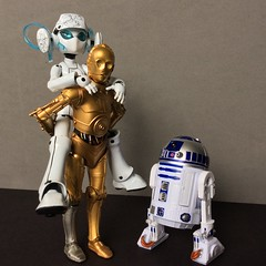 Drossel Gets a Lift (Sasha's Lab) Tags: star wars c3p0 r2d2 drossel juno vierzehntes heizregister fürstin von flügel robot cyborg android gynoid figure girl toy ロボット gsc figma action black series hasbro