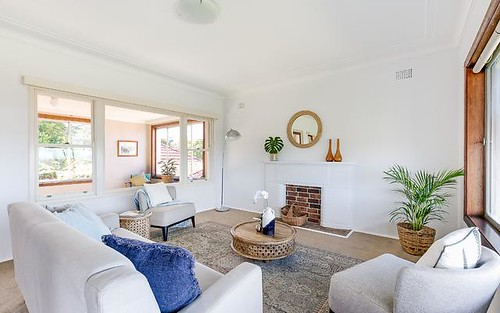 11 De Chair Rd, Narraweena NSW 2099