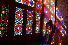 En la mezquita de Nasir oi Molk en Shiraz. (Victoria.....a secas.) Tags: irán shiraz mezquita mosque