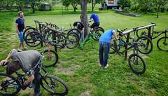 bicycle repair men (Hagbard_) Tags: bike mtb mountainbike trailbike ride enduro czech rychleby sport tour outdoor outside trailriding wood fun life friends beautiful mtbisokay nature photography rychlebskéstezky