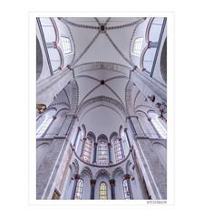Romanische Kirche in Köln (Hildegard Spickenbaum) Tags: köln kirche romanisch