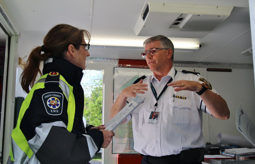 how to become a paramedic in ontario