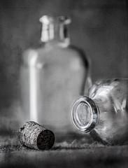 Frascos... (JACRIS08) Tags: glass cristal frascos bw