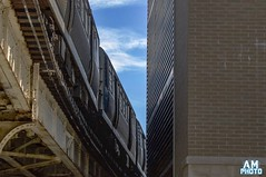 80 Degrees in Chicago (andy_masur) Tags: trains cta chicago water waterfountain shadows cubs elevatedtrains thel flythew