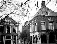 Uitbreiding Gemeentehuis Vlaardingen (Fotorob) Tags: vlaardingen klootmeijburghvander nederland stadhuis woningenenwoningbcomplx zuidholland architecture halfvrijstaandewoning bestuurrechtoverhgeb bestuursgebouwenonderdl eengezinswoning analoog holland netherlands niederlande architectura architectuur