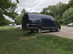 Mercedes Sprinter 316 CDI XLWB (Paul.Bevan) Tags: mercedesbenz dodge sprinter xlwb 316 cdi uk 2017 cavansiteblue courier lighthaulage delivery freight transport expressdelivery outdoors brabus superhighroof grass kingofgloss soft99 carpark surrey gu5 albury guildford coffeebreak