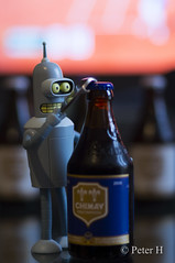 Bender opens a beer. (Peter H. Photographie) Tags: bender robot bière beer futurama bokeh alcool alcohol figurine figure toy fun samyang 85mm14 sony a580
