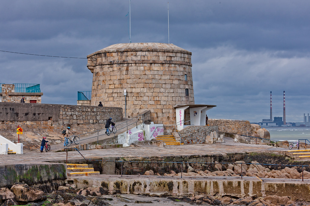 THE MARTELLO TOWER AT SEAPOINT [PHOTOGRAPHED IN MARCH 2008]-129510