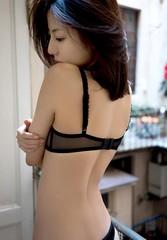 black lingerie@Yumi (F12-tdf) Tags: 美人 beauty bedroom beautiful legs black 可愛い pretty kirei erotic 下着 yumisugimoto 美尻 model lingerie