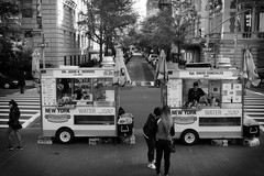 NYC 24 (Chris Roth 1) Tags: themet metropolitanmuseumofart hotdogs manhattan nyc streetphotography newyork fall newyorkcity