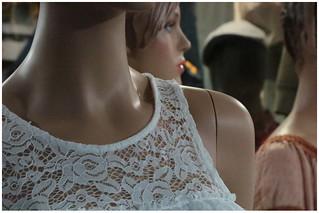 Mannequins à dentelles