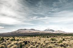 Tongariro Nationalpark - New Zealand (Max Pa.) Tags: tongariro nationalpark new zealand newzealand neuseeland landscape landschaft natur nature snow winter north island canon 5d 2470mm mount doom ngauruhoe light colours mountain mountains berge