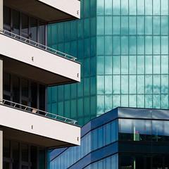 balconies for urban people (zeh.hah.es.) Tags: primetower maagareal kreis5 zurich zürich schweiz switzerland türkis turquois blau blue ey weiss white offwhite balkon balcony fassade façade facade raster rechtwinklig orthogonal diagonal