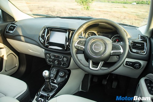 Jeep-Compass-16