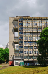Urban walk 20 May 2017: Lewisham to Mile End 53 (neil mp) Tags: london towerhamlets poplar e14 robinhoodgardens alisonandpetersmithson smithsons architecture brutalism modernism concrete bétonbrut c20 twentiethcenturysociety housing