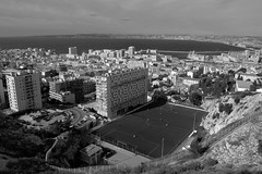 Stade di Giovanni à Marseille (François Tomasi) Tags: foot football marseille françoistomasi yahoo google flickr reflex nikon noiretblanc blackandwhite pointdevue pointofview pov mer sea france europe photo photography photographie photoshop city street lights light stade terrain immeuble mai 2017