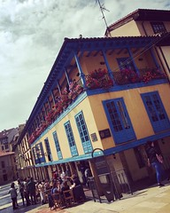 """The compact but characterful and historic casco antiguo (#oldtown) of Asturias' civ-ilised capital is agreeably offset by elegant parks and busy, modern shopping streets to its west and north. #Oviedo is a fun, sophisticated city, with a stash of intrigui (""""guerrilla"""" strategy) Tags: ifttt instagram the compact but characterful historic casco antiguo oldtown asturias' civilised capital is agreeably offset by elegant parks busy modern shopping streets its west north oviedo fun sophisticated city with stash intriguing sights some excellent restaurants lively student population out periphery hum heave factories strong reminder that major producer textiles weapons food   art architecture streetphotography photography asturias spain españa worldcommuter travel urban"""