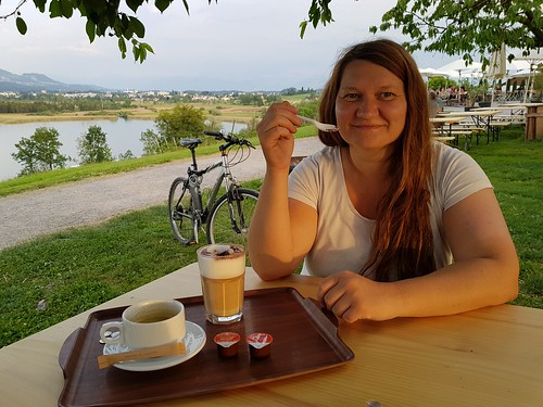After a hot afternoon at the lake Pfäffikersee we went on to the other side and enjoy some late and espresso.  (Originally published at: https://jeena.net/photos/312)