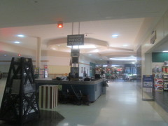Customer Services Center (Random Retail) Tags: cranberrymall cranberry pa 2016 store retail mall