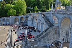 Lourdes (thierry llansades) Tags: lourdes pyrenées pyrénées pyrenees pyrenéesatlantique montagne mountain rando catholique pelerinage pelerin pelerins gave pau tarbes basilique