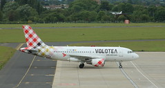 EI-FMV Airbus A319-112 Volotea (lee_klass) Tags: eifmv volotea airbusa319 airbusa319112 a319 airbus airbusa319100 a319100 a319112 a319taxiing voe aviation aviationphotography aviationspotter aviationenthusiast aviationawards aeroplane voe9510 v7 v79510 voloteaairbusa319 voloteaa319 aircraft aircraftphotography aircraftspotting airliner sen londonsouthendairport egmc southendairport southend england essex essexairport jetairliner jetliner jetairplane airplane jet plane planespotting transport travel airtravel airtransport vehicle canon canonef75300mmf456 canoneos750d canonaviation