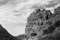 Arizona (g.armr) Tags: leica leicaiiif ilford ilfordhp5 ilfordhp5plus hp5 hp5plus leicaiii film filmphotography sedona arizona hike