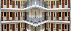 Simetrias (Rabadán Fotho) Tags: arquitectura edificios corralas simetrías architecture buildings symmetries urbano urban city ciudad
