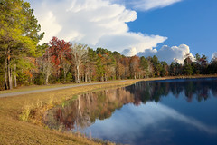 Lake at Willow Tree RV Resort 4 (Largeguy1) Tags: lake willow tree rv resort water reflections clouds canon 5d mark ii