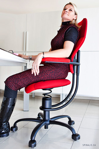 SpinaliS Luxury Office Chairs for Healthy Back and Great Posture in Canada