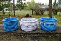 2017.05.24. virkatut korit x3 3089m (villanne123) Tags: 2017 virkattua virkattu kori kohopylväs virkattukori teeteeapollo crochet crocheting crochetbasket villanne