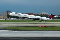 DeltaN915DL-MD88-TakeoffATL-May2017 (formulanone) Tags: delta deltaairlines n915dl md88 mcdonnelldouglas atlanta atl katl plane jet aircraft airplane