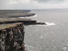 Orizzonti. Inis Mor (diegoavanzi) Tags: irlanda ireland eire aran islands dun aonghasa inis mor oceano ocean atlantico atlantic scogliere cliffs inishmore