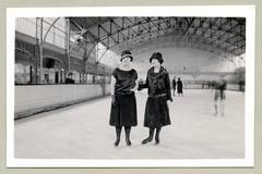 "Skaters (Vintage Cars & People) Tags: vintage classic black white ""blackwhite"" sw photo foto photography fashion 1920s twenties girls mädchen mädels women lady ladies dame damen clochehat hiverensuisse ice icerink skaters iceskating iceskates skatingboots"