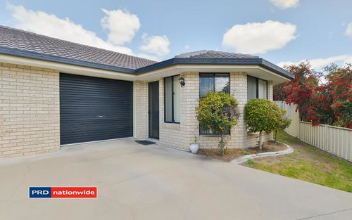 2/27 Karwin Street, Tamworth NSW 2340