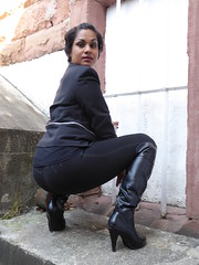 Indira Lady in Black (thomaslion1208) Tags: indiandoll indiangirl mature black woman overknees leather sexy pose modell