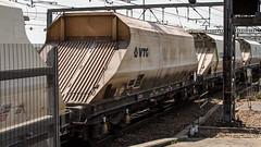 JGA 19200 (JOHN BRACE) Tags: jga built 1994 by powell duffryn france seen leeds station vtg livery 1110 hull dairycoates rylstone stone train passing 1323 running time 19200