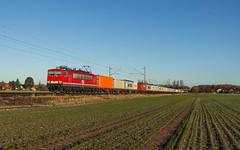 MEG 155 119 (706) - Nienburg/Holtorf (Pau Sommerfeld Acebrón) Tags: holtorf nienburg nienburgweser vzg1740 kbs380 containerzug container energiecontainer stasicontainer 155 155119 baureihe155 ddrlok meg mitteldeutscheeisenbahngesellschaft 706 meg706 güterverkehr güterzug bremerhavenkaiserhafen nds niedersachsen de deutschland 2016 zug züge eisenbahn railway train privatbahn elektrolok ganzzug