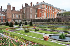 One of the Gardens at Hampton Court (Esther Spektor - Thanks for 12+millions views..) Tags: hamptoncourt castle building plant flowers greatbritain historic windows fountain alley travel estherspektor canon