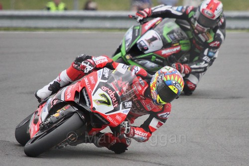 Chaz Davies leads Jonathan Rea in World Superbikes at Donington Park, May 2017
