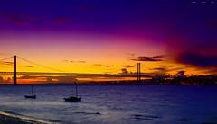 Fado II (Gio_guarda_le_stelle_on/off) Tags: sunset lisboa fado portugal river cityline landscape tramonto sera quiete atmosfera atmosphere bridge 25april riotejo