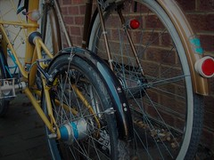 Two Three Speed Hubs (cycle.nut66) Tags: steel bicycle bike cycle cycling three speed hub gears sram sturmey archer dual drive ag dynohub alloy shell transmission suspension bronze yellow mudguards classic lights rear pedal space frame olympus epl1 evolt micro four thirds mzuiko