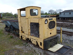 Preserved Ruston & Hornsby Diesel-Mechanical Locomotive 14042017 (Rossendalian2013) Tags: preserved dieselmechanicallocomotive rustonhornsby lbtype narrowguage 4wdm 040dm 700205676 astleycolliery goldenvalleylightrailway swanwickjunction midlandrailwaycentre railway train gvlr