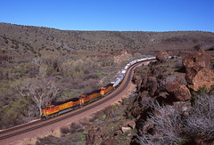 BNSF1648 (ex127so) Tags: bnsf crozier canyon az 2005 cw449