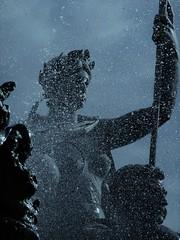Souvenirs de Bordeaux. (France-♥) Tags: bordeaux france voyage ville 822 1046 statue fontaine fontainedesgirondins placedesquinconces water metal